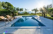 Вилла с бассейном, 2 квартиры с 2 спальнями годовая аренда, Тиват Tivat